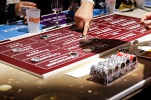 Table de jeu sur la thématique du Champagne