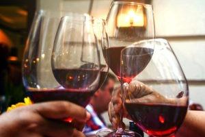 Comment organiser une dégustation conviviale de vin ?