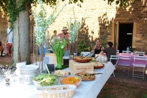 Buffet BBQ, barbecue estival entreprise proche Lyon