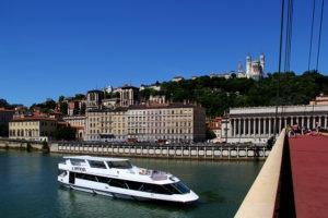 Expérience originale à Lyon : organiser une soirée pro sur un bateau