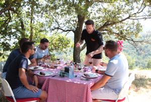 Déjeuner ambiance pique nique pour entreprise dans les vignes