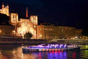 Privatisation d'un bateau à Lyon pour évènement