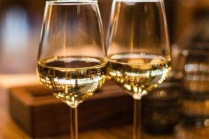 Sélection qualitative de vins dégustés en repas d'affaires par notre agence spécialisée