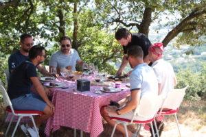 Pique-nique et repas champêtre dans les vignes de la vallée du Rhône