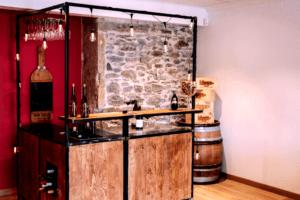 Bar à vin mobile dans un espace de dégustation