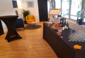 soirée de lancement à Lyon avec cocktail dînatoire et animations œnologiques