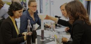 animation incentive sur la création d'un vin en équipe et la réalisation de son étiquette