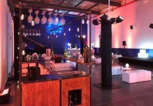 Le bar mobile dans des locaux d'entreprise