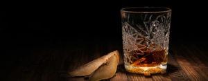 Verre alcool type cognac avec poire découpée