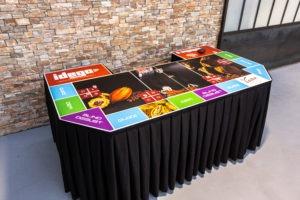 table de jeu autour de la dégustation de chocolats VOISIN